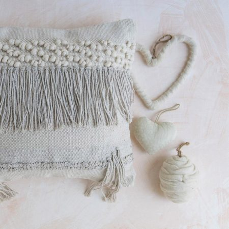 Cuscino in cotone bianco con nodi e frange - Luxe